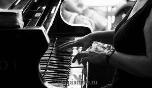 """Стихотворение """"Пианино"""" (""""Онемелая плоть..."""")"""