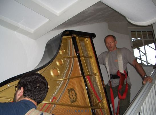 Спуск и подъем пианино