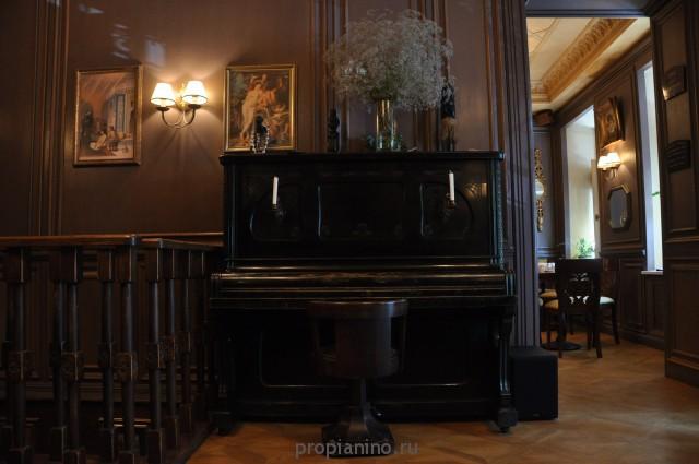 """Стихотворение """"На гладкой чёрной крышке пианино..."""""""