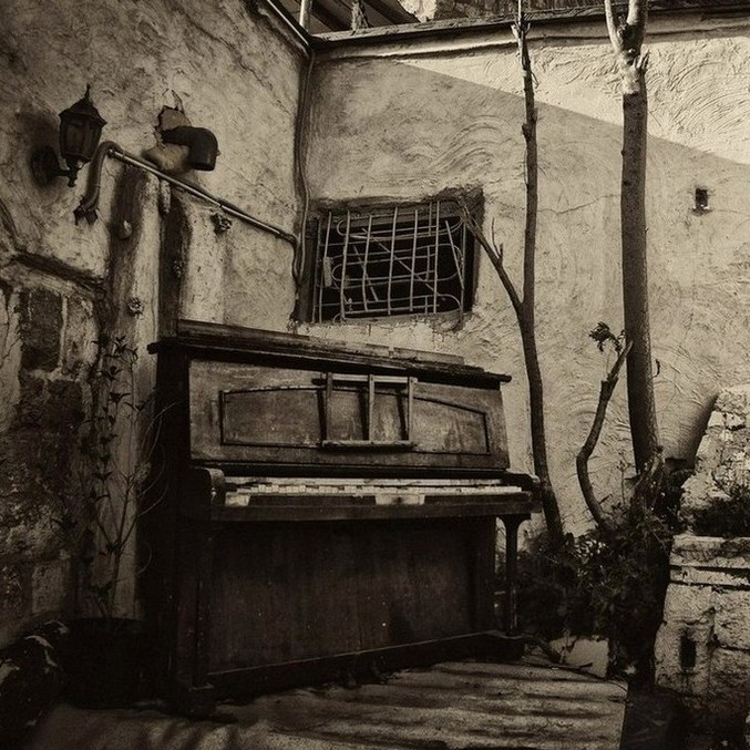 Забытое пианино