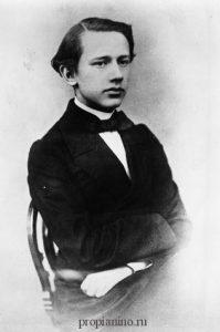 Петр Ильич Чайковский в юном возрасте