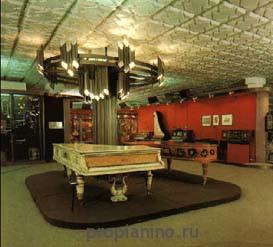 В музее М.И. Глинки