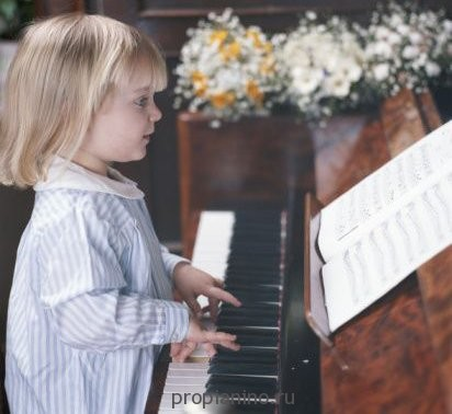 """Стих для детей """"Я целый день играла гаммы"""""""