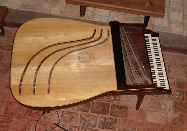 Теобра клавесин вид сверху