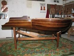 Лютневый клавир сбоку