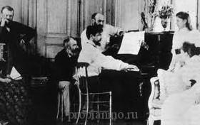 Claude Debussy играет на фортепиано