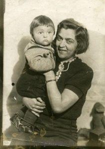 Володя Дашкевич с матерью