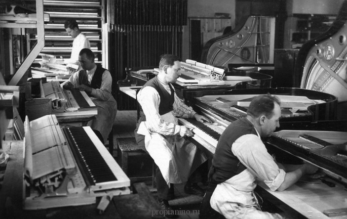 Сборка пианино Petrof