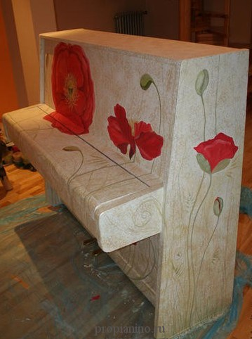Декор старого пианино