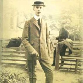 Пианист Бенно Моисеевич учился в одесской консерватории