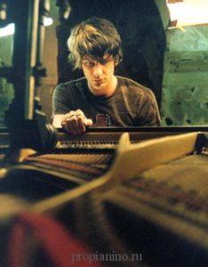 Максим Мрвица - талантливый современный пианист