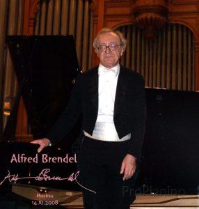 Пианист Альфред Брендель