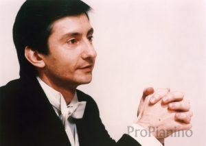 Пианист Владимир Павлович Овчинников