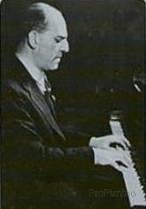Соломон Катнер за инструментом