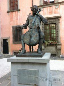 Статуя Л. Боккерини