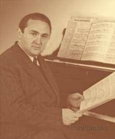 Яков Зак прославился как прекрасный исполнитель музыки Шопена и Бетховена