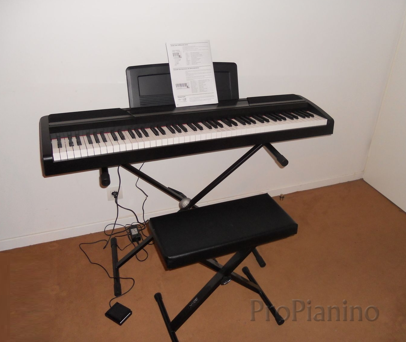 Портативное пианино Korg SP-170