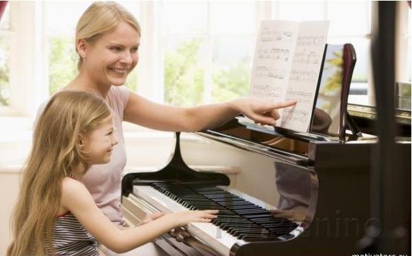Как игра на пианино влияет на мозг