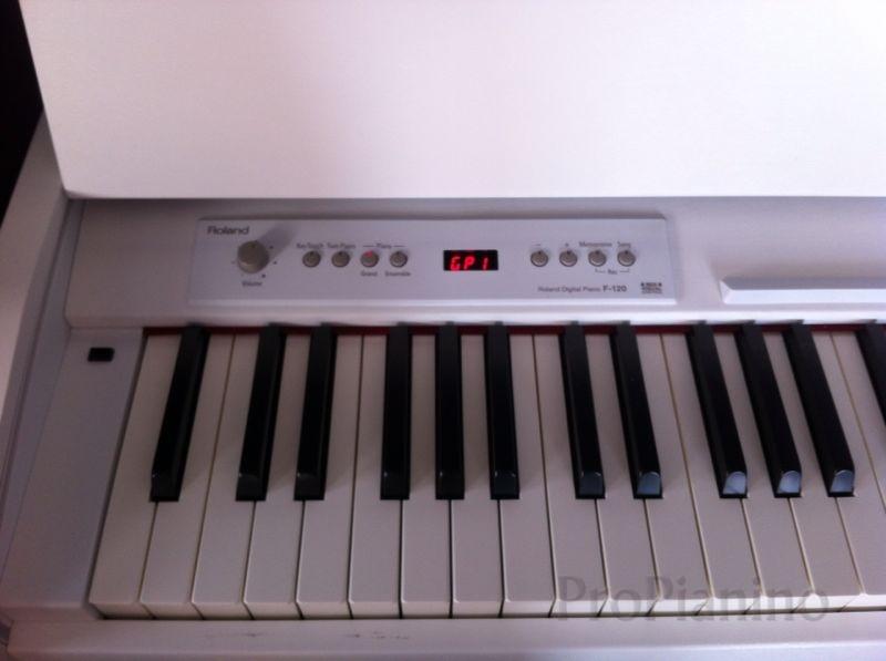 roland-f-120-key